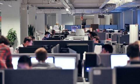 ВЦИОМ: почти каждый второй опрошенный россиянин работает не по своей специальности
