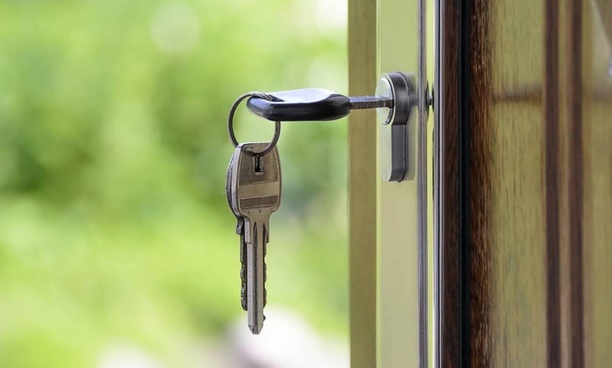 Airbnb: Παίρνουν τον έλεγχο οι Δήμοι στις βραχυχρόνιες μισθώσεις