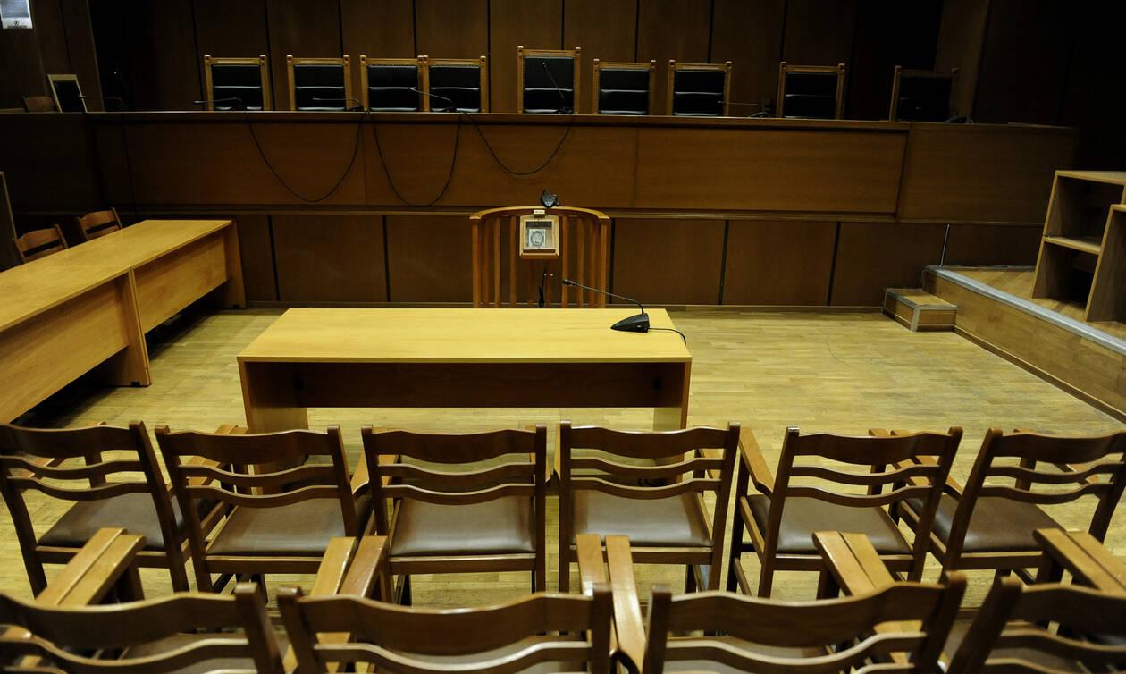 Κύκλωμα κοκαΐνης στο Κολωνάκι: Αυτή είναι η απόφαση για τον παρουσιαστή και τις δύο ηθοποιούς