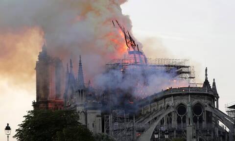 Παναγία των Παρισίων: Συγκλονιστικές εικόνες από τη φωτιά - Ανυπολόγιστη η καταστροφή στο μνημείο