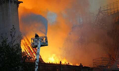 Φωτιά Παναγία των Παρισίων: Καλό κουράγιο Γαλλία (pics+vids)