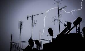 Καιρός τώρα: Σε εξέλιξη νέα καταιγίδα στην Αττική - Δείτε την εικόνα της Ελλάδας από το δορυφόρο