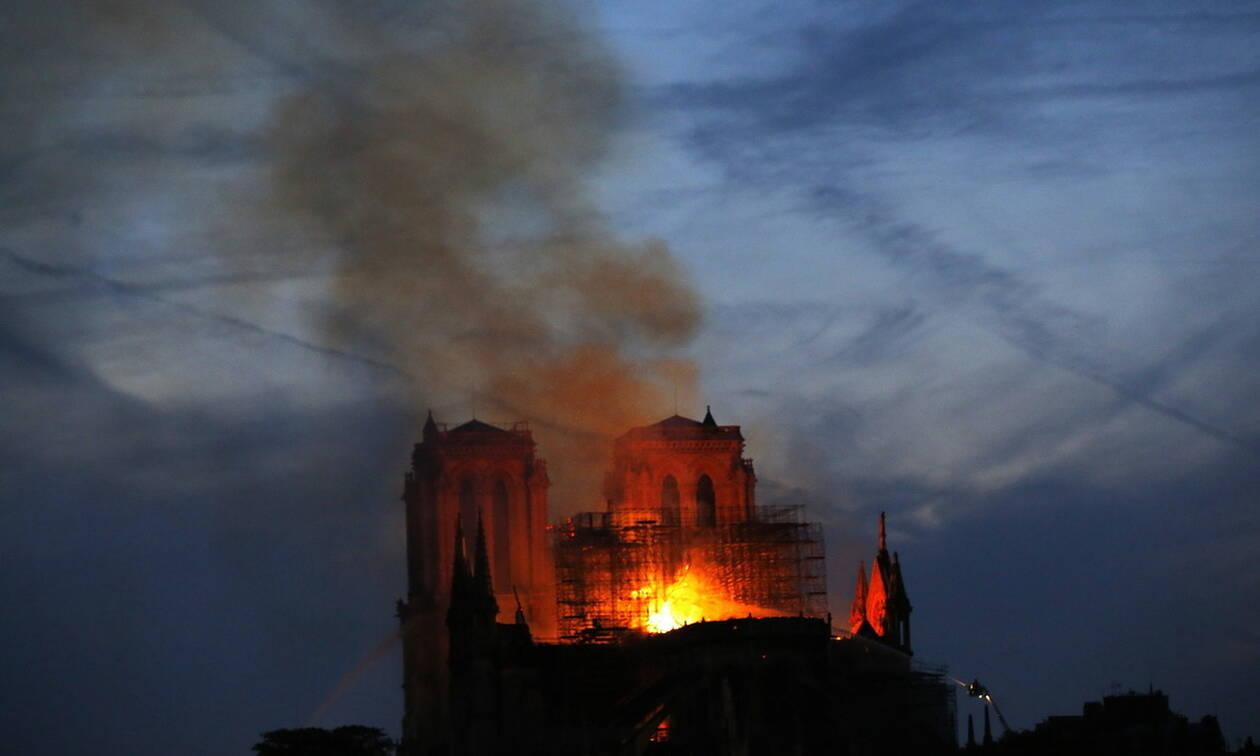 Παναγία των Παρισίων: Αποκλείουν οι Γάλλοι τα σενάρια τρομοκρατικής ενέργειας και εμπρησμού