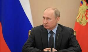 Путин подписал закон о запрете размещения хостелов в жилых помещениях