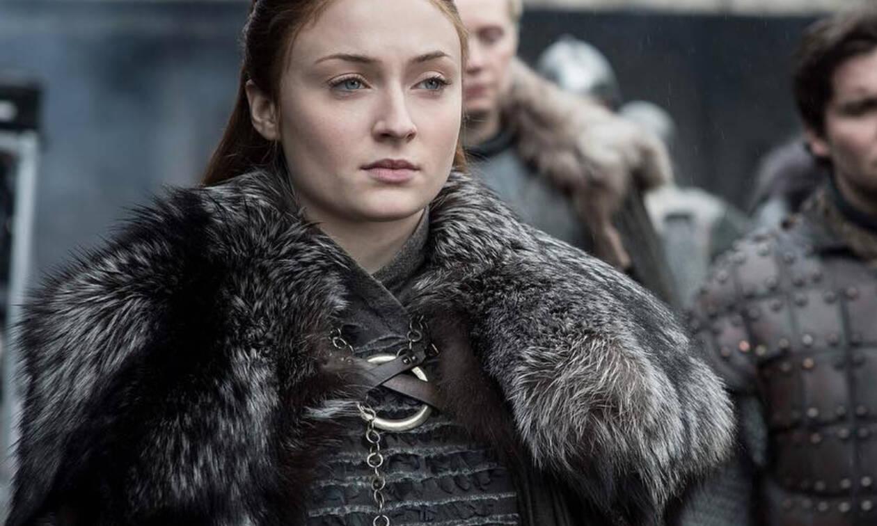 GoT Mega Spoiler; Oι φανς παραληρούν για τη φωτογραφία της Sophie Turner και το θάνατο (;) της Sansa