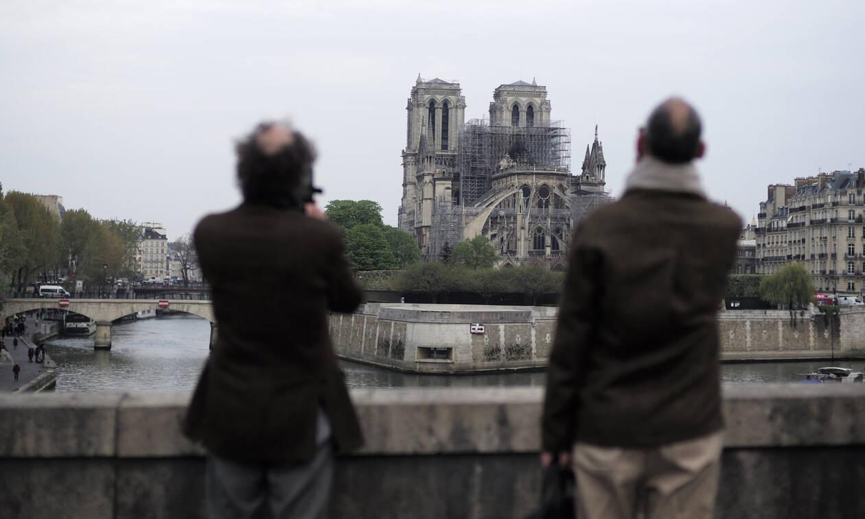 Παναγία των Παρισίων: Παγκόσμια έκκληση - «Βρείτε τον μπαμπά και την κόρη του»