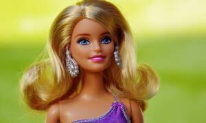 Ρίσκαρε τη ζωή της για να γίνει σαν την κούκλα Barbie - Δείτε το αποτέλεσμα (video)