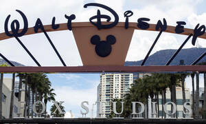 Disney VS Netflix: Παγκόσμια... μάχη γιγάντων για το streaming