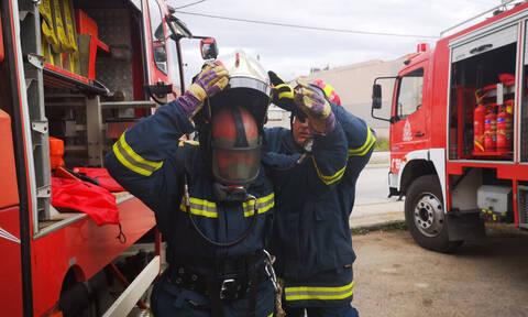 Φωτιά σε κτήριο στη Λιοσίων