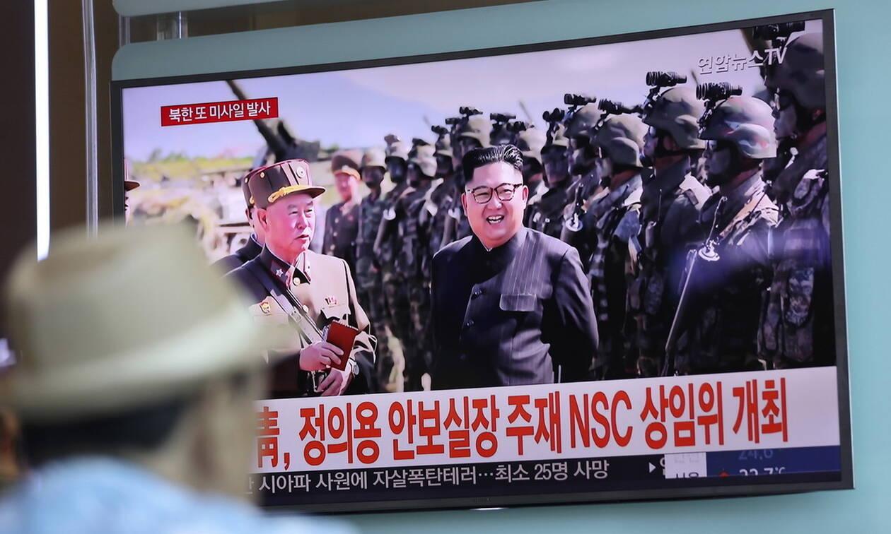 Βορεια Κορέα: Δοκιμή νέου κατευθυνόμενου όπλου επέβλεψε ο Κιμ Γιονγκ Ουν