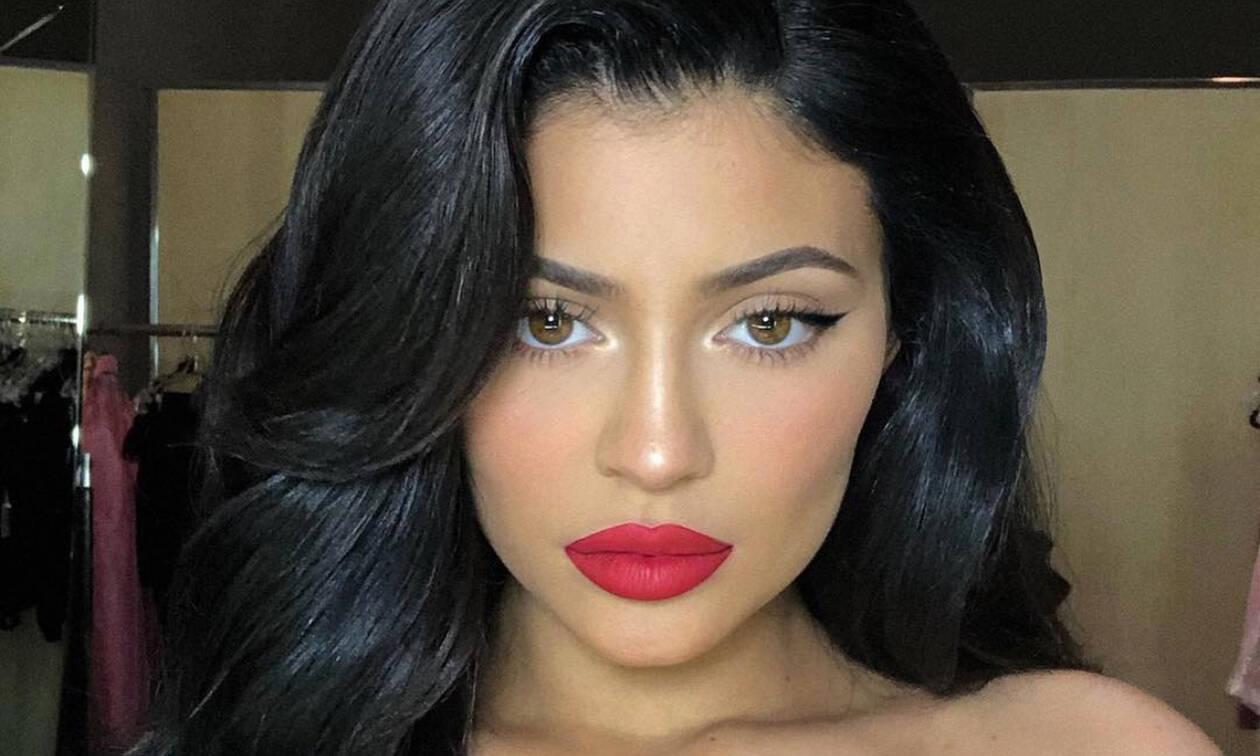H Kylie Jenner μόλις αποκάλυψε το αγαπημένο της κραγιόν από τα Kylie Cosmetics