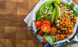 Πώς μπορεί να συνδυαστεί η νηστεία με την απώλεια κιλών;