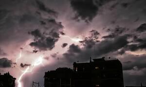 Καιρός: ΠΡΟΣΟΧΗ - Ισχυρές καταιγίδες και κεραυνοί σε λίγη ώρα στην Αττική (ΧΑΡΤΕΣ)