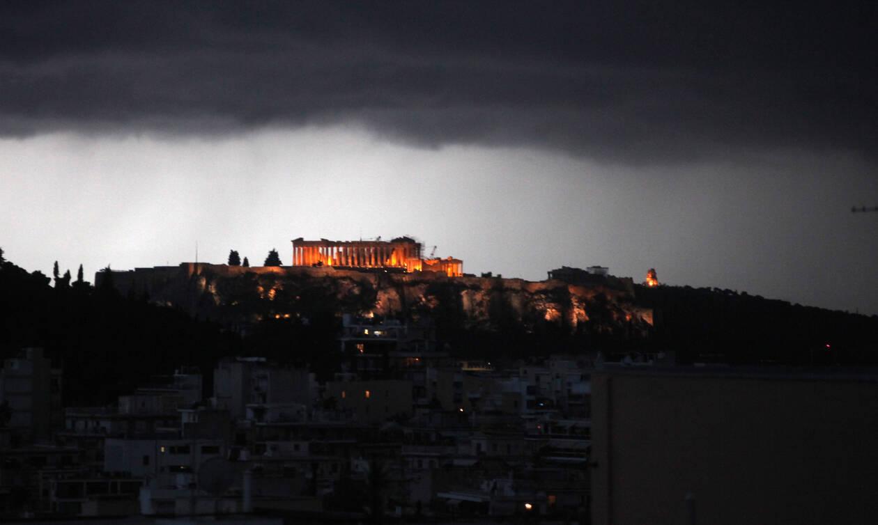 Έκλεισε και πάλι η Ακρόπολη - Εκκενώνεται ο αρχαιολογικός χώρος