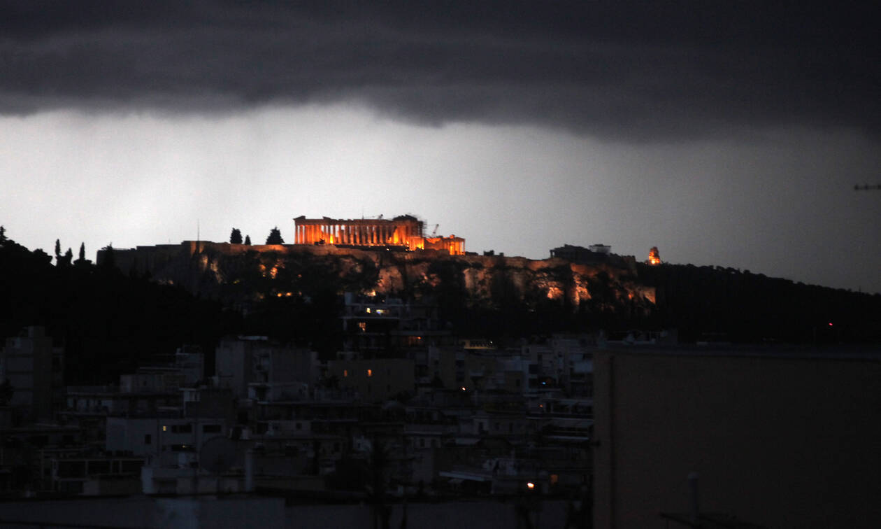 Acropolis site shuts down again for fear of lightning injuries