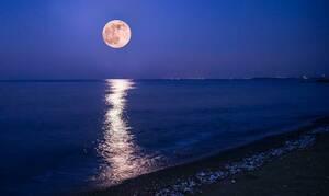 Πανσέληνος: Σήμερα το «ροζ φεγγάρι»! (photo)