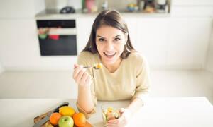 Με ποιες τροφές θα καθυστερήσετε τα σημάδια της γήρανσης