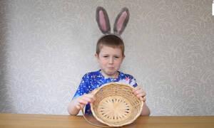 10χρονος πιτσιρικάς αλλεργικός στο Πάσχα! Δείτε γιατί (vid)