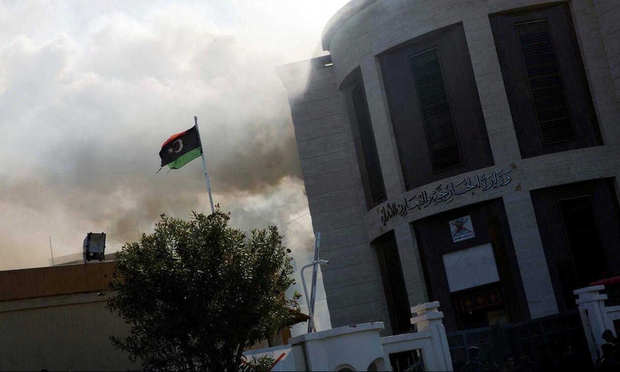 «Λουτρό αίματος» στη Λιβύη: Εκατόμβη νεκρών από τις εχθροπραξίες στην Τρίπολη