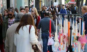Πασχαλινό ωράριο 2019: Ποιες ώρες θα είναι ανοιχτά τα καταστήματα σήμερα