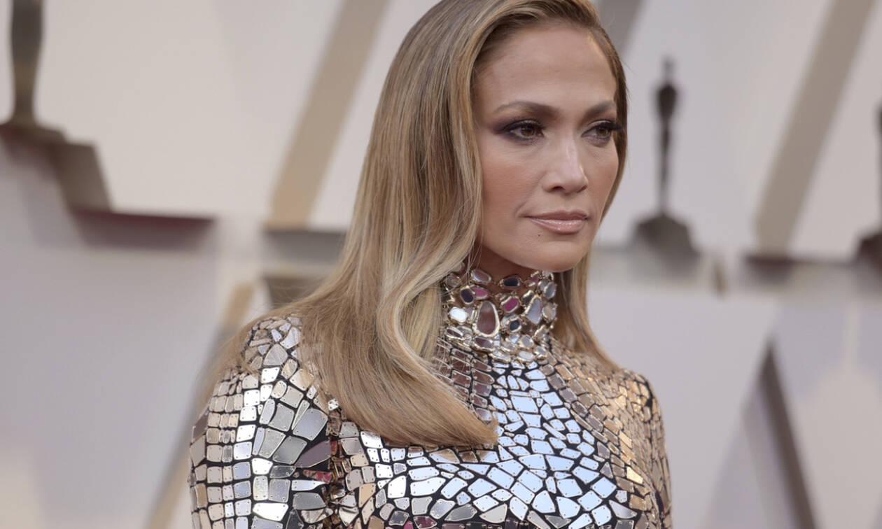Πλάκα μας κάνει; Δες το συγκλονιστικό κορμί της Jennifer Lopez λίγο πριν κλείσει τα 50