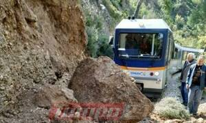 Διακοπτό - Καλάβρυτα: Κλειστή η σιδηροδρομική γραμμή-Εικόνες καταστροφής από την κατολίσθηση (pics)
