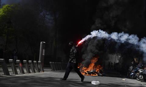 Γαλλία: Νέες συγκρούσεις μεταξύ αστυνομίας και κίτρινων γιλέκων - Εκατοντάδες προσαγωγές (pics+vid)