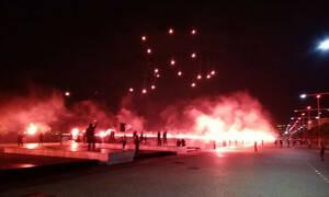 «Φωτιά» στη Θεσσαλονίκη: Τρομερό pyroshow των οπαδών του ΠΑΟΚ (video)
