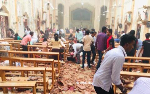 Βομβιστικές επιθέσεις σε εκκλησίες στη Σρι Λάνκα - Φόβοι για πολλά θύματα