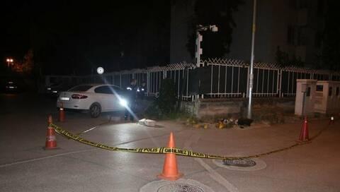 Ενοπλοι Toύρκοι γάζωσαν την ΝΑΤΟϊκή βάση στην Σμύρνη