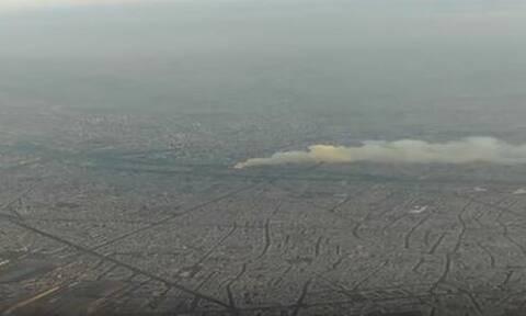 Συγκλονιστικό βίντεο: Επιβάτης αεροπλάνου κατέγραψε τη φωτιά στη Notre Dame κατά τη διάρκεια πτήσης