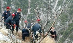Τραγικός επίλογος στο Ξυλόκαστρο: Ανασύρθηκαν οι σοροί των θυμάτων