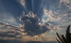 Καιρός - Meteo.gr: Επιτέλους Άνοιξη - Έρχονται 25άρια αλλά οι καταιγίδες επιμένουν (vid)