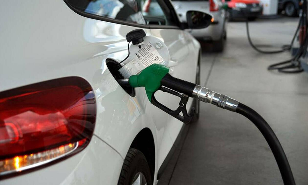 Το ολέθριο λάθος που κάνουμε όλοι όταν βάζουμε βενζίνη (pics)