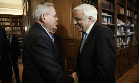Παυλόπουλος σε Μενέντεζ:Να υπερασπιστούμε τις αρχές της ειρήνης, της δικαιοσύνης και της δημοκρατίας