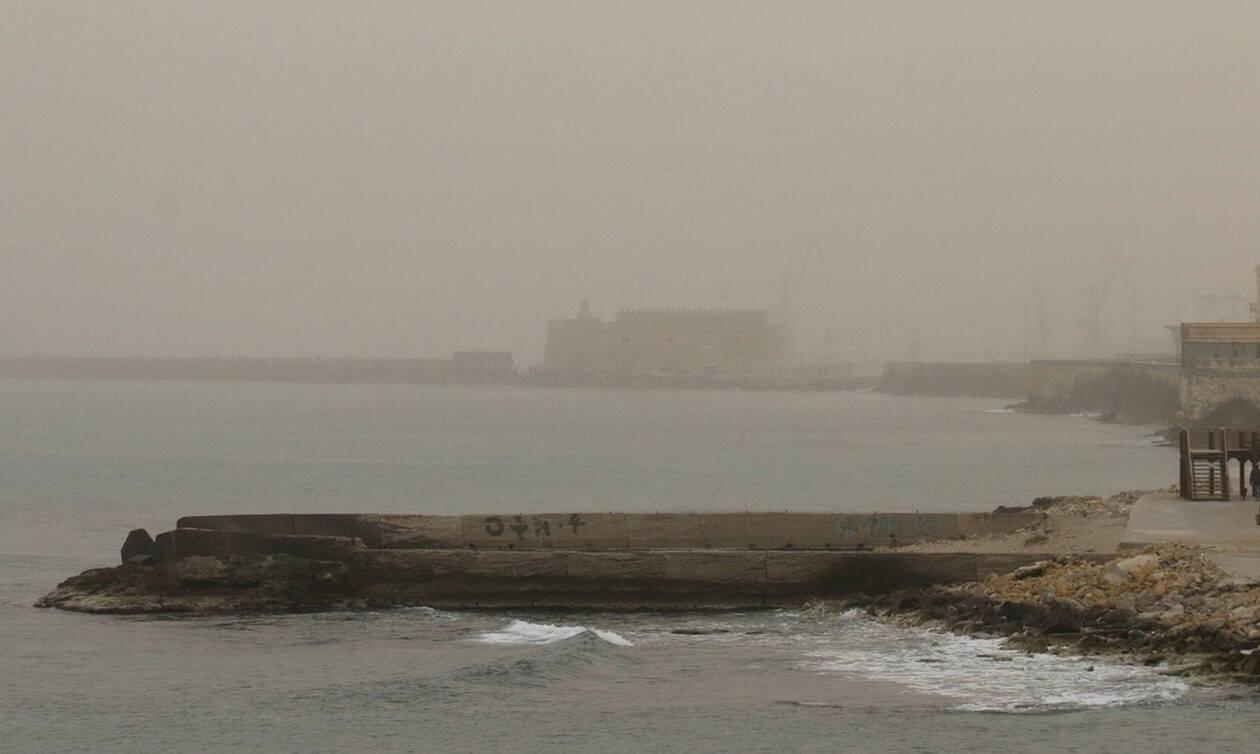 Καιρός: Αφρικανική σκόνη θα «πνίξει» τη χώρα όλη τη Μεγάλη Εβδομάδα (vid)