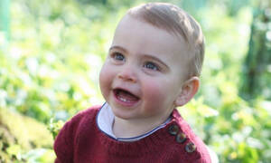 Ο πρίγκιπας Louis έγινε ενός και το παλάτι έδωσε στη δημοσιότητα νέες φωτογραφίες του (pics)