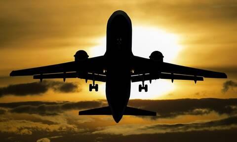 Θρίλερ σε πτήση: Μυστηριώδης ασθένεια έστειλε 13 μαθητές στο νοσοκομείο
