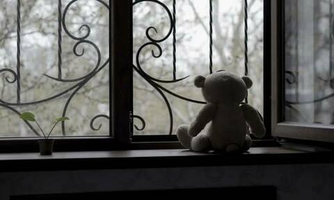 Σοκ στη Θήβα: Συνελήφθη παιδίατρος για ασέλγεια σε 8χρονη