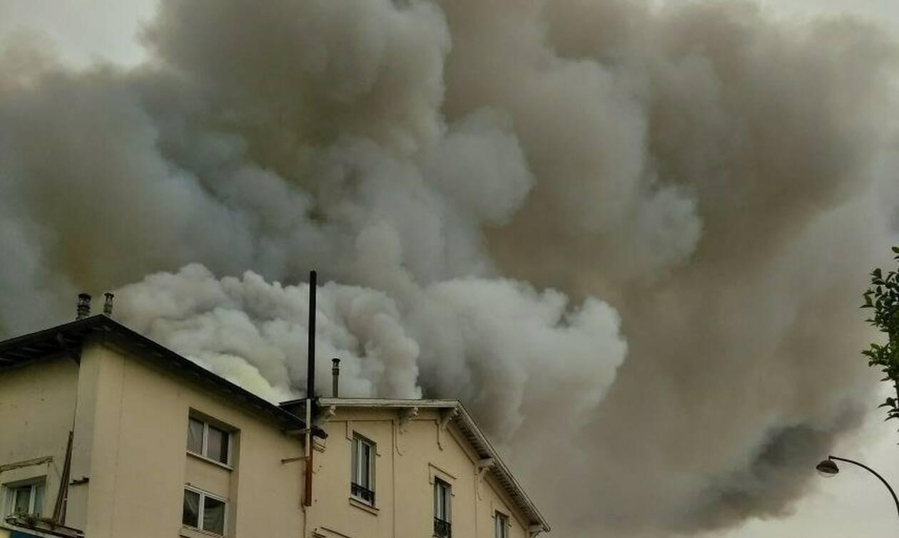 Μεγάλη πυρκαγιά κοντά στο Παλάτι των Βερσαλλιών (vids)