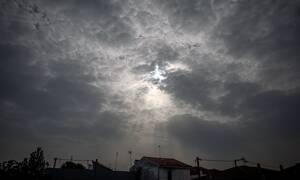 Καιρός Πάσχα 2019: Αφρικανική σκόνη «καταπίνει» τη χώρα - Θα «χαθεί» ο ήλιος