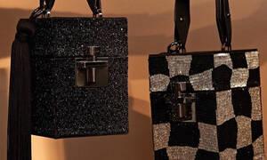 Οι νέες τετράγωνες τσάντες του Oscar de la Renta