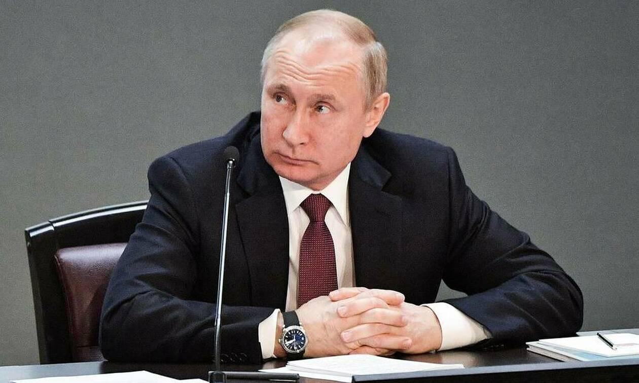 """Путин подписал закон, приравнивающий санкции за оставление места ДТП к """"пьяному"""" вождению"""