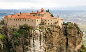 Από τα φώτα της δημοσιότητας σε μοναστήρι! Αυτές είναι οι επώνυμες Ελληνίδες  που έγιναν μοναχές