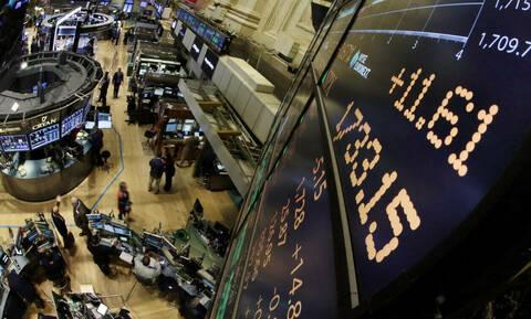 Κλείσιμο με πτώση στη Wall Street - «Φρένο» στο ράλι ανόδου του πετρελαίου