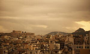 Καιρός: Σκόνη και λασποβροχές σκεπάζουν τη χώρα - Αποπνικτική η ατμόσφαιρα τη Μεγάλη Πέμπτη
