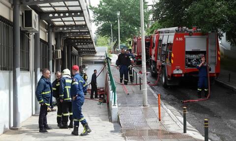 Φωτιά στο Αριστοτέλειο Πανεπιστήμιο Θεσσαλονίκης - Απεγκλωβίστηκε μια γυναίκα