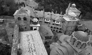 Πάσχα στο «Περιβόλι της Παναγίας»: Υπέροχες εικόνες από το Άγιον Όρος