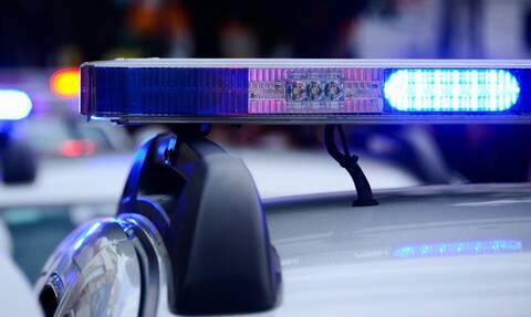 Απίστευτες εικόνες: Αστυνομικοί χτυπούν το κεφάλι 15χρονου στο έδαφος για να τον συλλάβουν