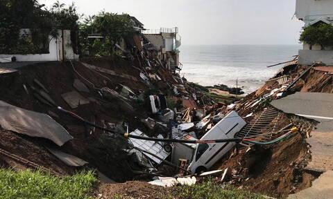 Φονικές πλημμύρες στη Νότια Αφρική: Τουλάχιστον 70 νεκροί και μεγάλες καταστροφές (vid)